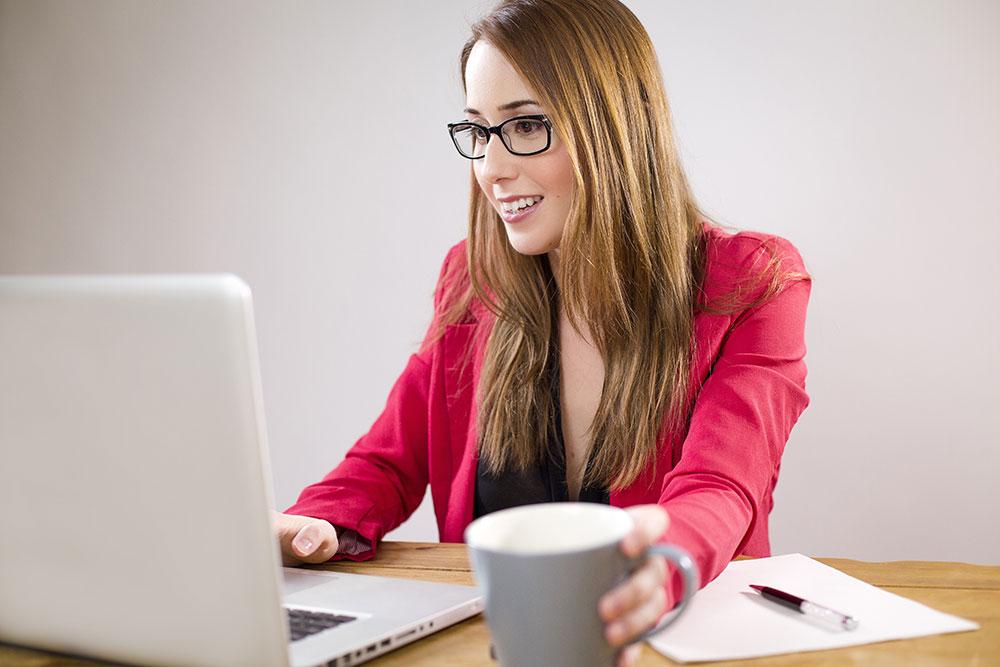 business-woman-computer_sml